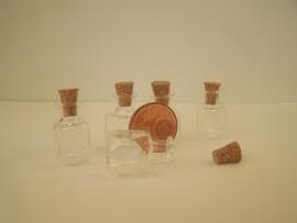 GFV-01 Vierkante fles (2,3x1,4cm)