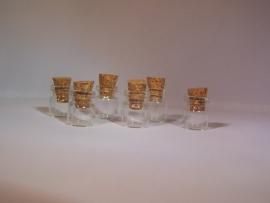 GFK-04 Kleinste flesje (1,3x1cm)
