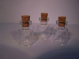 GFK-20 Glazen flesje (2,6x1,6cm)