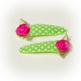 Fel groen met witte stip