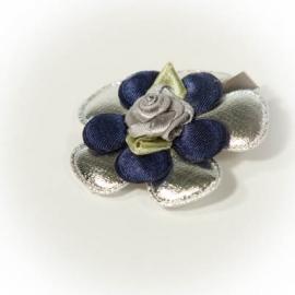Alligatorclip zilver met donkerblauw roosje