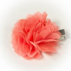 Koraal kleurig roeseltje