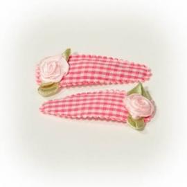 Roze geruit speldje