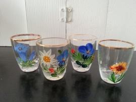 4 st shot / borrelglazen met bloemen en gouden randje