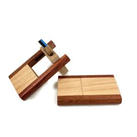 USB-stick Hout - duokleur (medium/kersen)