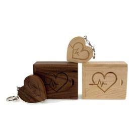 USB stick Houten hart in box - Hart & Heartbeat