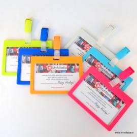Kleurrijke Badge - kaarthouder clip assorti (vanaf € 3,25 p.st.)