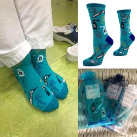NO Blue Monday - vrolijke sokken voor de afdeling KNO