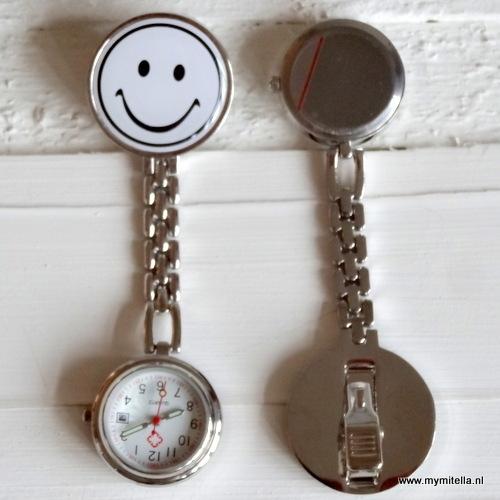 Verpleegsterhorloge metal smile wit