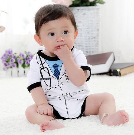 BABY ROMPER CUTE DOCTOR ZWART/WIT BLAUW 6 MAANDEN