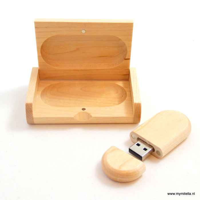 USB STICK HOUT IN LUXE BOX GRENEN