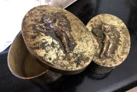 2 kleine doosjes Goud (grootste 18b x 13d x 10h cm)