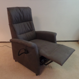 Sta op fauteuil met 2 motors, actie model Tilburg -  zeer comfortabel in beige/grijze suéde stof