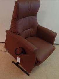 Sta op stoel Soest, maat XS in bruin rundleder met 2 motors,  met een heerlijke zit en direct leverbaar