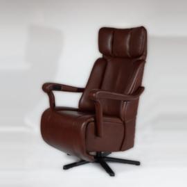 Relaxfauteuil Majestic -Vorstelijk zitcomfort Leverbaar met handmatige bediening, 2 motors en een accu en een Opstastoel