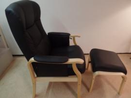 Senioren Comfort fauteuil, Bunnik, in zwart leder met bijpassend voetenbankje - direct leverbaar