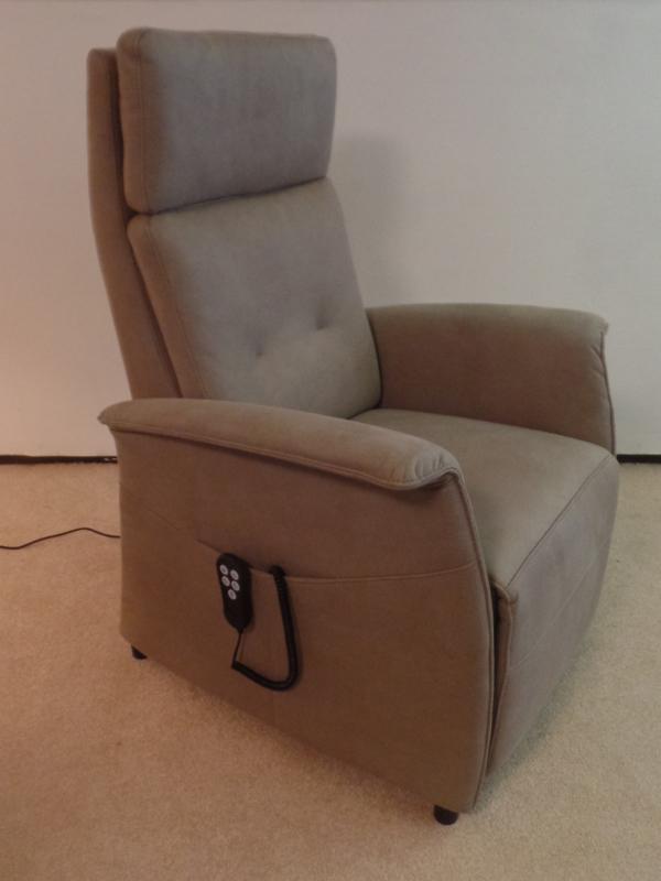 Sta op stoel Baarn Excellent, met  Herz-Waage / hart-balans-functie - introductie korting, model Baarn in stof, snel leverbaar