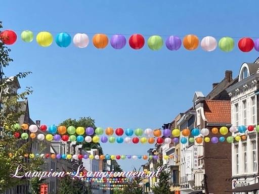 1400 Nylon lampionnen in straten Oudenaarde België, winkelstraat versiering decoratie, Nylonlaternen in Straßen, wetterfeste Einkaufsstraßen Dekoration, lanternes en nylon dans les rues Audenarde Belgique 2
