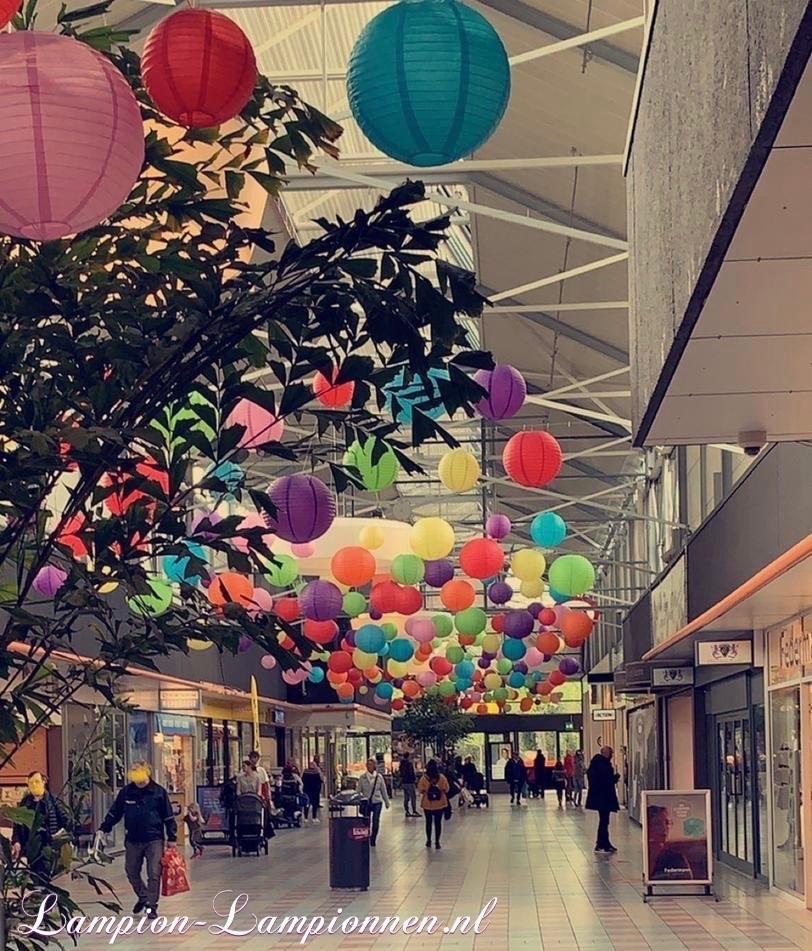 1500 feuerfeste Laternen im Einkaufszentrum Schalkwijk Haarlem, Einkaufszentrum Straßendekoration Dekoration, feuerfest, 1500 Laternen beständig gegen gewerbliche Dekoration de la rue du center gewerbliche Dekoration