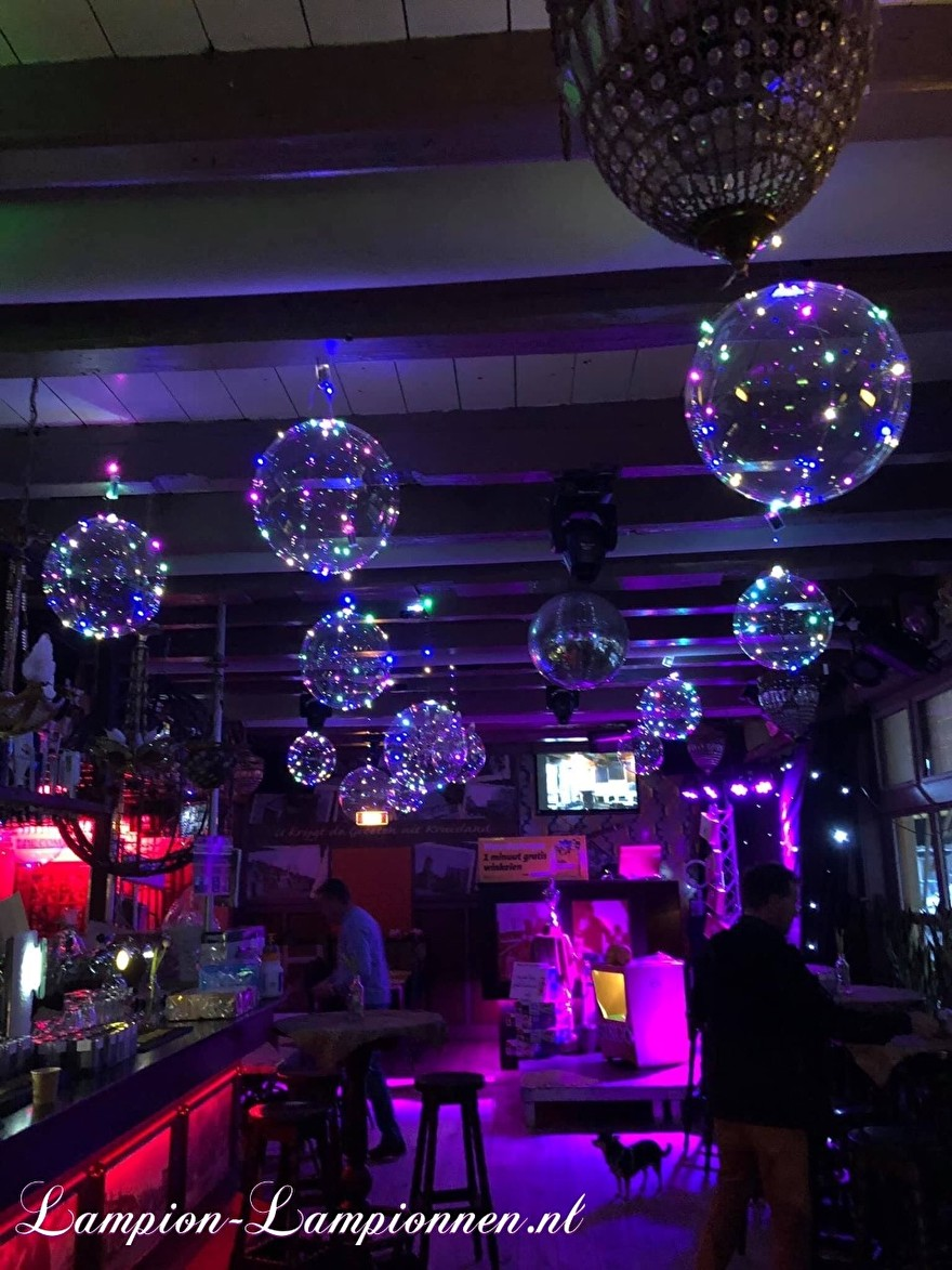 LED Ballon XL aan plafond, verlichte helium ballon, balon met lampje, feest ballon, led unit ballon huwelijk decoratie eventversiering, goedkope led ballon, party deco deko veren erleuchtet bobo balloon neon sweet 16 18 21 44