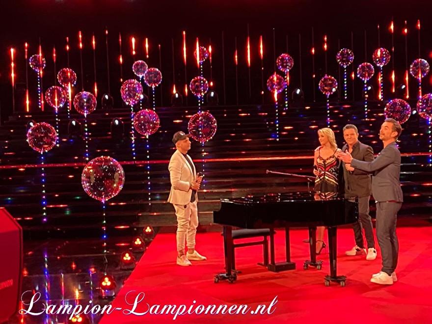 LED Ballon XXL 60 cm bij Schlager Champions op ARD televisie, super grote led verlichte ballon met LED lampjes en helium, zwevende ballon 2 Super grosser LED-Leuchten und Helium Fernsehen, Schwimm Luftballon, ballon flottant 8