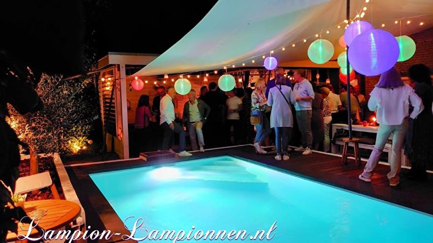 Pool party decoratie met lampionnen, tuinfeest versiering ballonnen, Poolparty Deko mit Laternen, Gartenparty Deko Luftballons 3