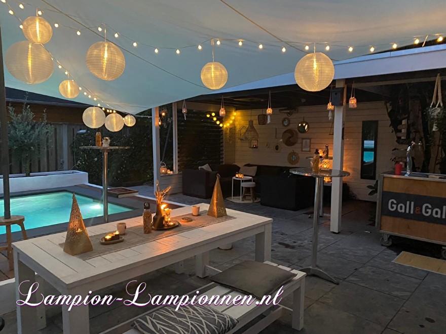 Pool party decoratie met lampionnen, tuinfeest versiering ballonnen, Poolparty Deko mit Laternen, Gartenparty Deko Luftballons 2