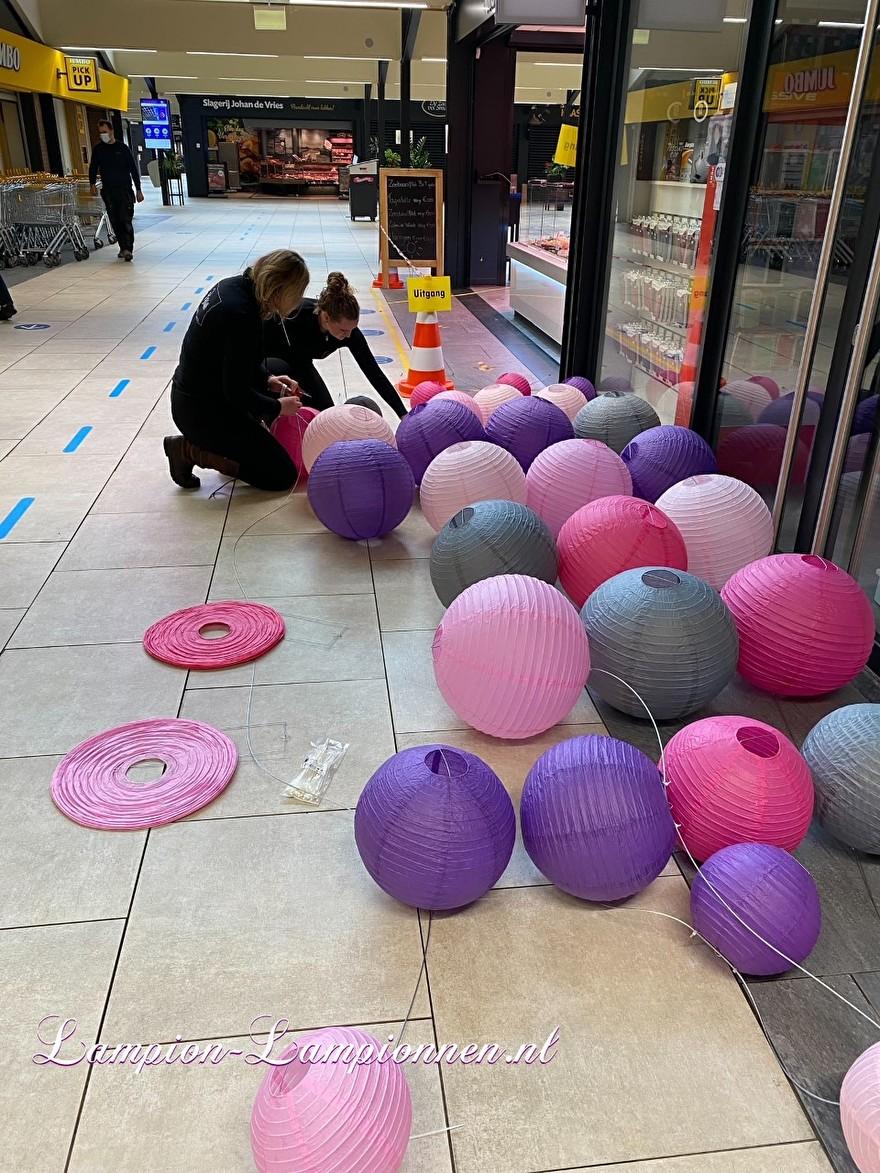 lampionnen in winkelcentrum Westpolder te Papendrecht, brandvertragende lampion versiering in straten decoratie, Lampions im Einkaufszentrum, feuerhemmende Laternendekoration in Straßendekoration, ballon, lampions dans le centre commercial 3 ballon