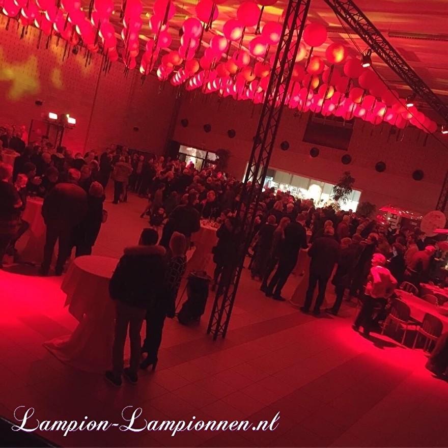 lanternes rouges ignifuges lors du Nouvel An chinois, rote Laterne feuerhemmend am chinesischen neuen Jahr des Ereignisses, lanternes rouges ignifuges lors du nouvel an chinois, résistant au feu 66