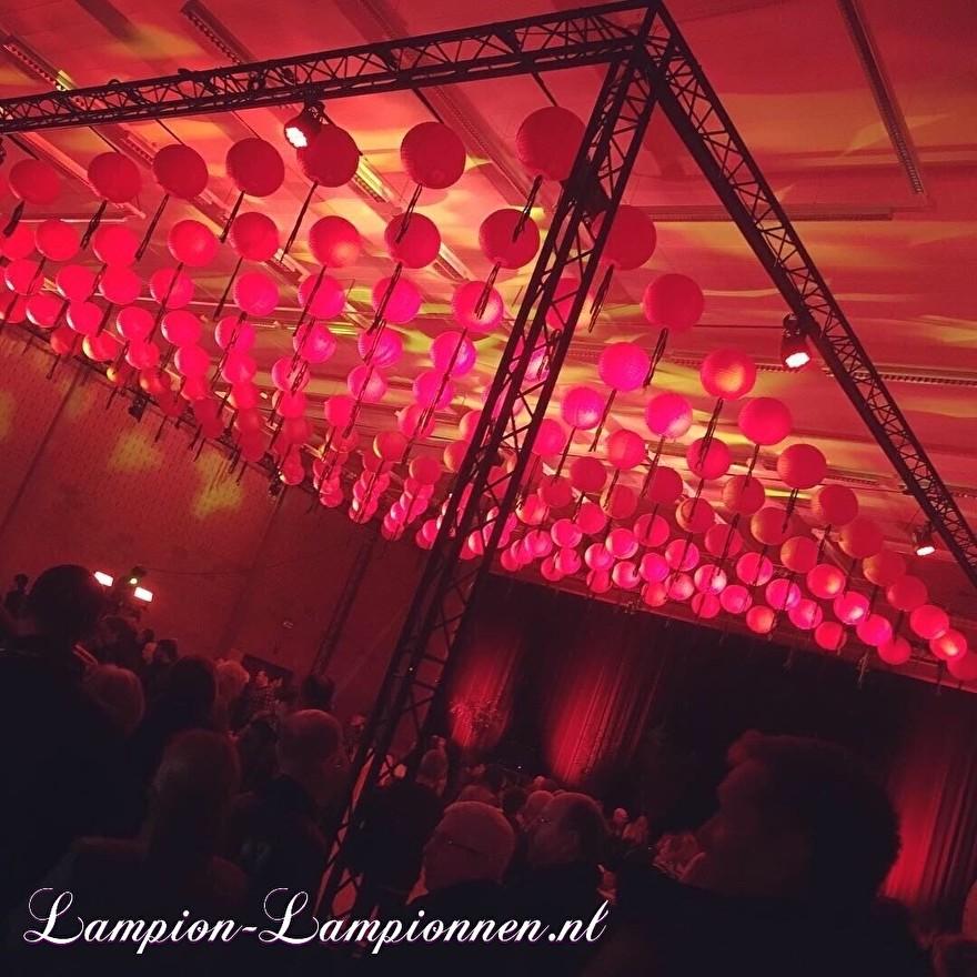 lanternes rouges ignifuges lors du Nouvel An chinois, rote Laterne feuerhemmend am chinesischen neuen Jahr des Ereignisses, lanternes rouges ignifuges lors du nouvel an chinois, résistant au feu 33