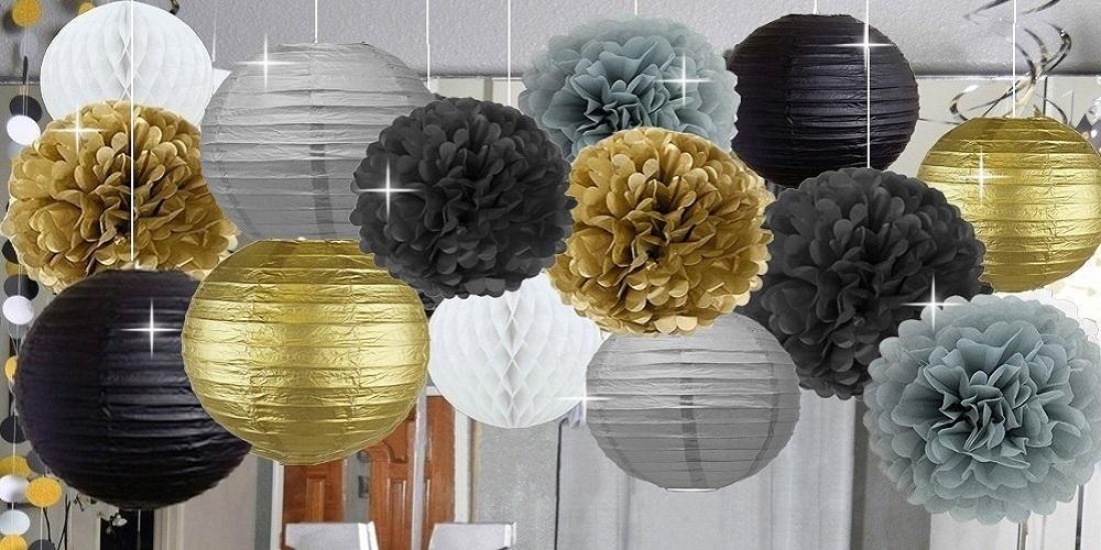 Lampionnen in kerst kleuren wit goud zilver zwart en wit