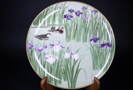 "Groot bord Ø 26 cm. ""Mandarin Ducks"" Japans handgeschilderde porselein , limited edition."
