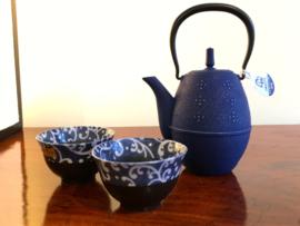 5 blauwe theekommen Japans Arita porselein in kadodoos.