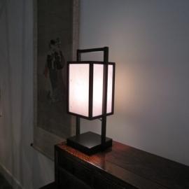 """Lamp """" Yotha"""" hout met verstevigd Japans papier 45 cm.H."""