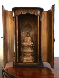 Huisaltaar (47 cm.) uit de EDO-periode ± 1880