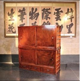Antieke Japanse futonkast volledig keyaki hout (zeer speciale houtsoort) SALE 30%