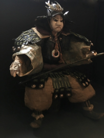 "Zeer zeldzame grote samurai pop uit ± 1820 EDO-periode "" Kato Kiyomasa"" met aparte helm Hoogte 57 cm."