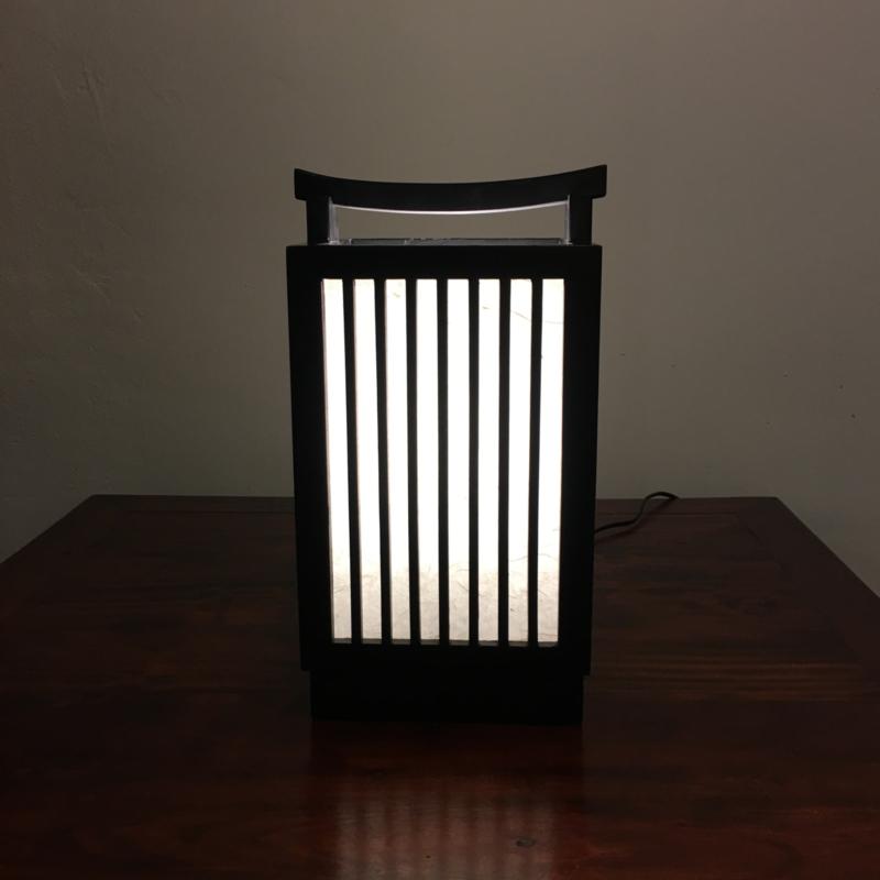 """Lamp """" Yoroko"""" hout met verstevigd Japans papier, nieuwe collectie."""
