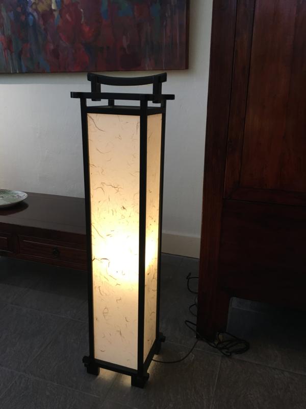 Lamp Pagode 90 cm hoog Hout met verstevigd Japans papier
