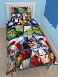Avengers Assemble dekbedovertrek 135 x 200 cm.