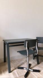 Schoolstoeltje grijs
