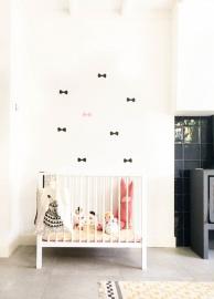 Strikjes zwart/roze muurstickers