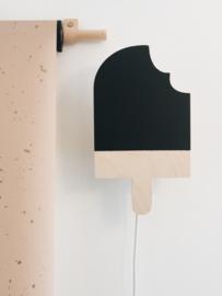 Wandlampje IJsje zwart By June Interiors