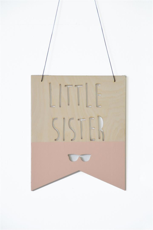 WALL SHIELD/ VLAG 'LITTLE SISTER'