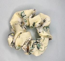 Scrunchie lichtgeel bloem