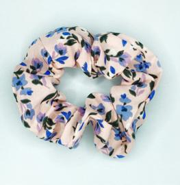 Scrunchie bloemen lichtroze