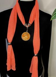 Oranje sjaalketting met ronde hanger