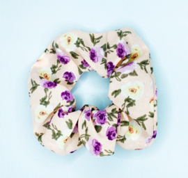 Scrunchie bloemen beige