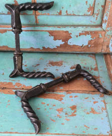 Oude gietijzeren deurklink