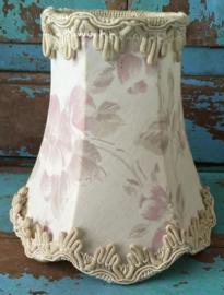 Oud bloemen lampenkapje